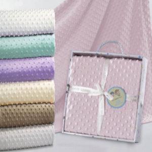 Manta de topitos rosa para bebe bordada
